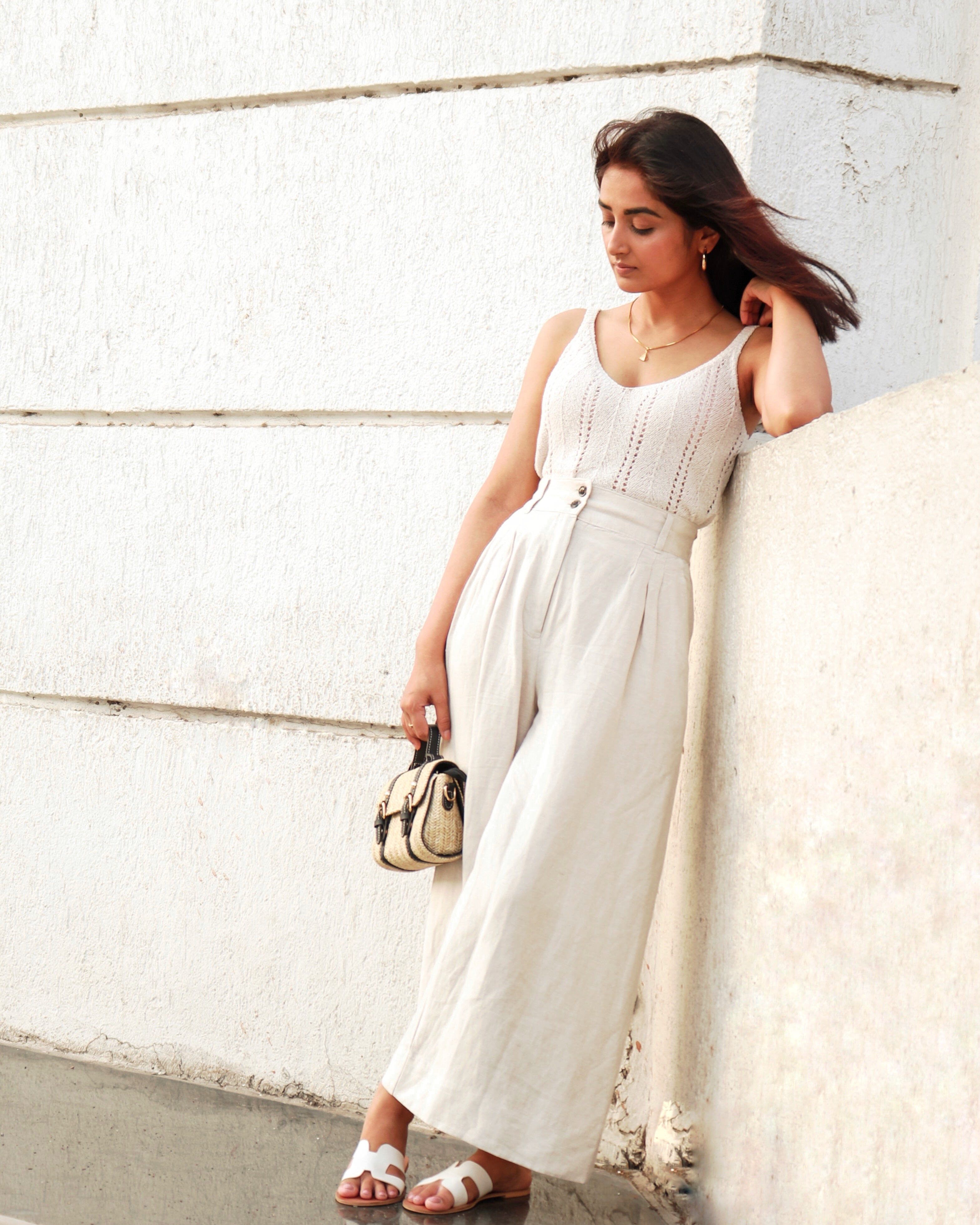 MONOCHROME OUTFIT WITH NEUTRALS - Fashion Raasa | Linen Trousers | Gold Hoops