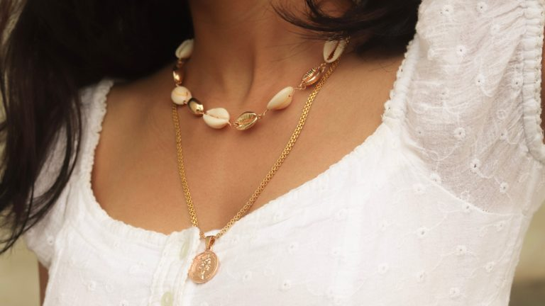 Shell jewellery in Trend