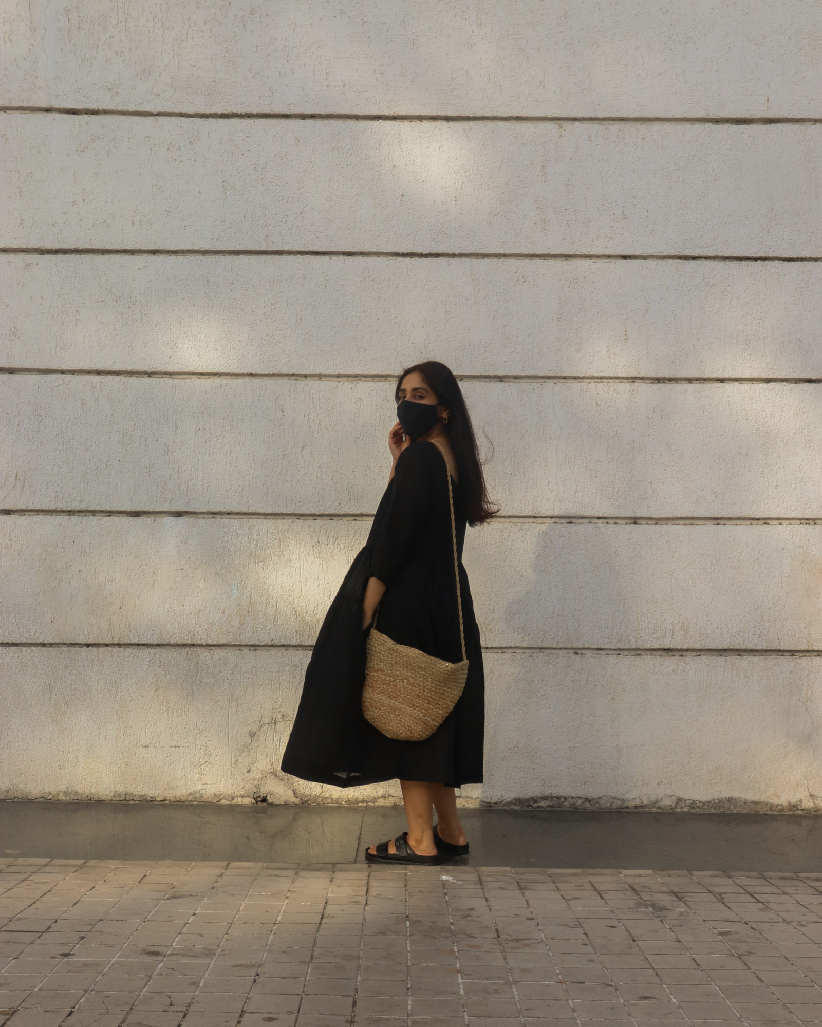 how to style blacl line dress