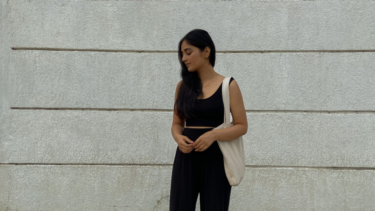 How to style all black outfits